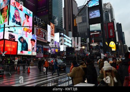 New Year's eve preparations in Times Square, New York - Stock Photo