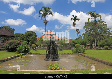 Fountain in the grounds of Pura Taman Ayun, the royal temple at Mengwi, Badung, Bali, Indonesia. - Stock Photo