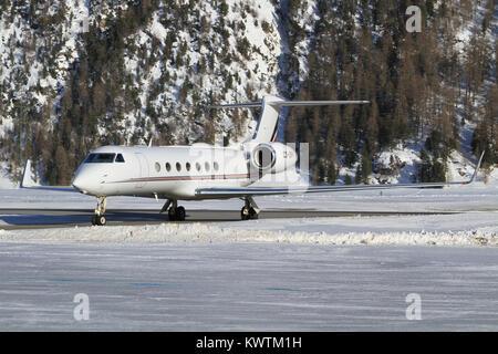 Samedan/Switzerlad: Netjets Gulfstream 550 at Engadin Airport in Samedan/Switzerland 18.02.2017 - Stock Photo