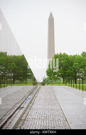 ... Vietnam Veterans Memorial, In Washington DC, Vietnam Memorial Wall,  Designed By Maya Lin