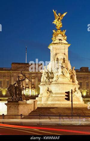 Queen Victoria Memorial,  Buckingham Palace, London, England - Stock Photo