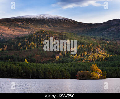 Loch an Eilein and Creag Dhubh in the Rothiemurchus forest area of the Cairngorms National Park - Stock Photo