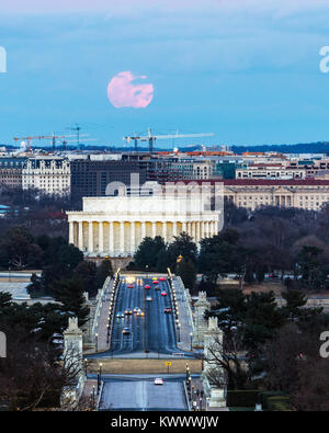 Washington DC/USA - JANUARY 1, 2018 - Full Wolf Moon rises over the Lincoln Memorial on the first day of the new - Stock Photo