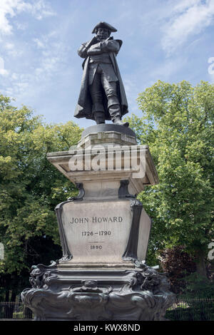 John Howard 1726-1790 (prison reformer) statue, St Paul's Square, Bedford, Bedfordshire, England, United Kingdom - Stock Photo