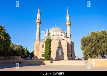 The Mosque of the Martyrs or Turkish Mosque is a mosque in Baku, Azerbaijan, near the Martyrs Lane Alley. - Stock Photo