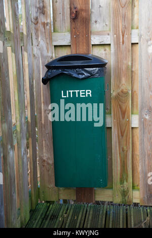 Bishops Stortford, St Michael's Mead, Southern Country Park, litter bin - Stock Photo