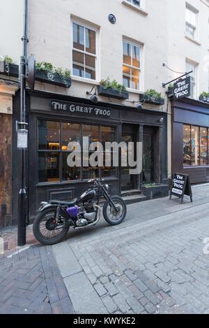 The Great Frog jewellery shop, 10 Ganton St, Soho, London W1F 7QR England UK. - Stock Photo