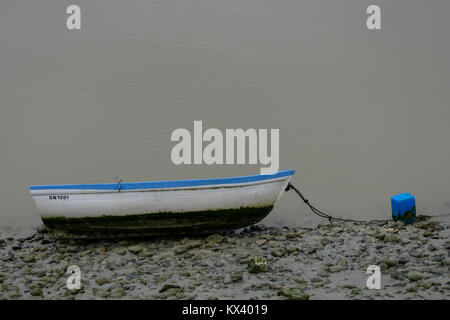 Somme river mouth: boats seen at low tide, Saint-Valery, Normandie - Stock Photo