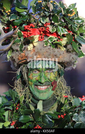 London, UK. 07th Jan, 2018. Twelfth Night celebrations in London on Jan 7th 2018. The Holly Man leads the procession - Stock Photo