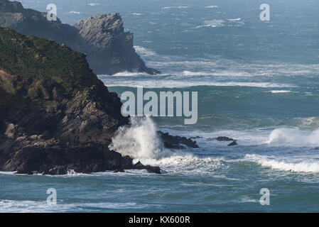 Rough sea around rocky headlands of Newquay on the North Cornwall Coast. - Stock Photo