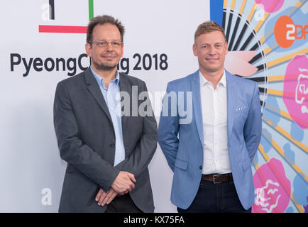 vl: Hajo SEPPELT (ARD Doping-Experte) und Markus HARM (ZDF Doping/Sportpolitik Experte) ARD- /ZDF - Olympia- und - Stock Photo