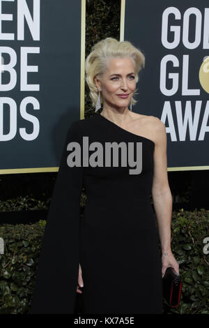 Beverly Hills, California, USA. 7th Jan, 2018. Gillian Anderson arrives for the 75th Annual Golden Globe Awards - Stock Photo
