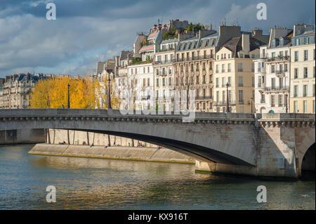 Paris architecture, typical 19th century apartment buildings facing the River Seine on the Ile St-Louis in Paris, - Stock Photo