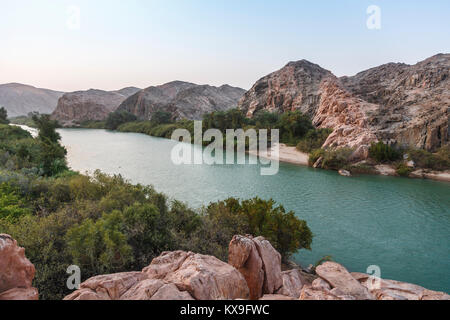 Kunene River (Cunene River), the border between Angola and Namibia, south-west Africa (view towards Angola) - Stock Photo