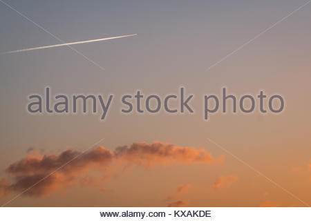 Longniddry Bents, East Lothian, Scotland, United Kingdom. 8th Jan, 2018. A very cold day draws to a stunning end, - Stock Photo