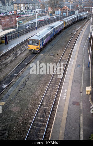 Harrogate Train Station, UK. 8th Jan, 2018. Train parked up on the day that the first of the strikes over removing - Stock Photo