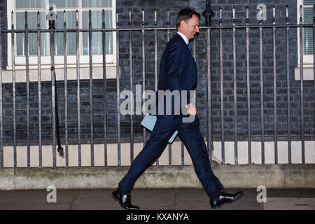 London, UK. 8th January, 2018. Jeremy Hunt MP leaves 10 Downing Street after being reconfirmed as Secretary of State - Stock Photo