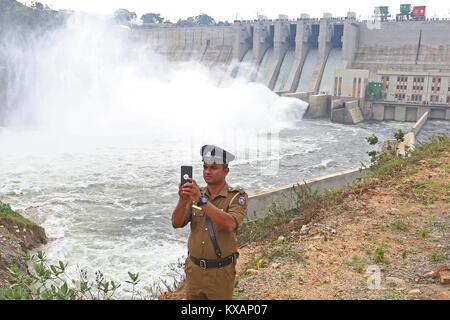 Sri Lanka. 08th Jan, 2018. Sri Lanka. 08th Jan, 2018. A  Police officer taking a selfie during the opening ceremony - Stock Photo