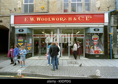 UK, England, Derbyshire, Buxton, Spring Gardens, F W Woolworth store in 1970s - Stock Photo