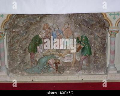 Alembon (Pas-de-Calais) église, relief Mise au Tombeau - Stock Photo