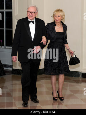 Warren Buffett and Astrid M. Buffett arrive for the Official Dinner in honor of Prime Minister David Cameron of - Stock Photo