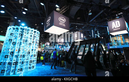 Las Vegas, USA. 9th Jan, 2018. People visit the booth of Intel at the Consumer Electronics Show (CES) in Las Vegas, - Stock Photo
