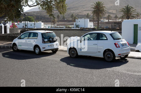 VW Up! and Fiat 500 hire cars, Lanzarote, Canary Islands, Spain. - Stock Photo