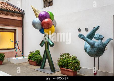 A decorative exterior shop in Veneto, Venice, Italy, Europe. - Stock Photo