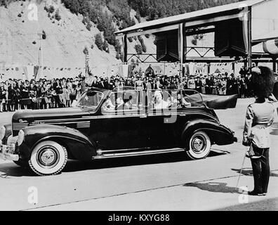 H.M. King George VI and Queen Elizabeth at Wolfe's Cove to begin their visit to Canada