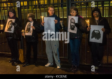 London, UK. 11th Jan, 2018. London, UK. 11th January 2018. A Candlelight vigil outide the US Embassy marked the - Stock Photo