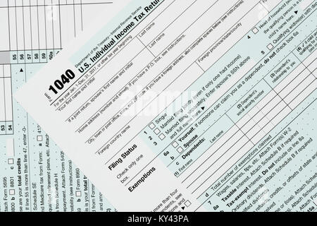 Macro Close Up Of 2017 Irs Form 1040 With We Can Help Letters Stock