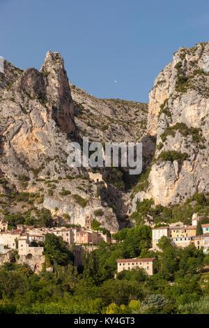 Setting sunlight over Moustier-Sainte-Marie, near Gorges du Verdon, Provence France - Stock Photo