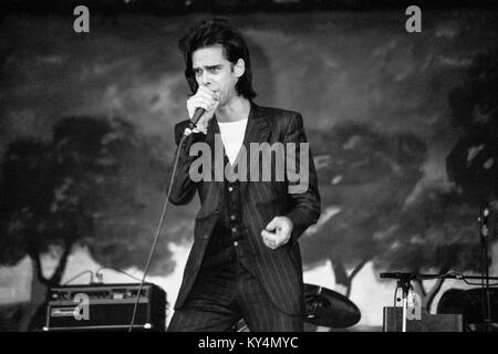 Nick Cave and the Bad Seeds performing at the Glastonbury Festival 1998, Worthy Farm Somerset, England, United Kingdom. - Stock Photo