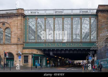 Central Station railway bridge over Argyle Street in Glasgow city centre, Scotland, UK - Stock Photo