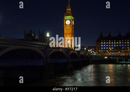 Westminster Bridge & Houses of Parliament at night. - Stock Photo