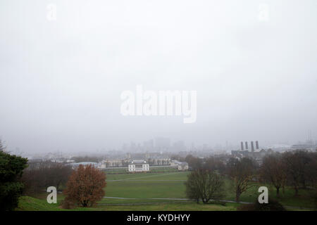 Greenwich Park, London. UK. 15th Jan, 2018. UK Weather. Foggy day at Greenwich Park. Credit: Sebastian Remme/Alamy - Stock Photo