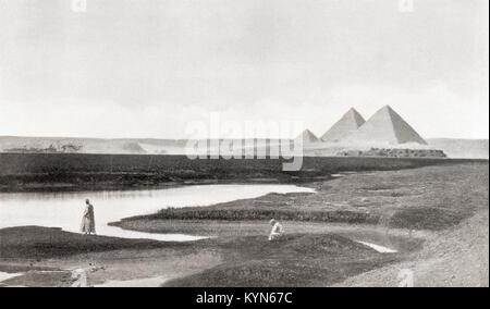 The pyramids of Giza, Giza Plateau, Cairo, Egypt. The Great Pyramid of Giza aka the Pyramid of Cheops or Khufu, - Stock Photo