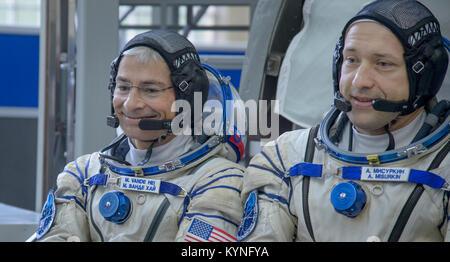 Expedition 52 backup crew members: NASA astronaut Mark Vande Hei, left, and Russian cosmonaut Alexander Misurkin - Stock Photo