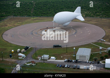 Eagle Pass, TX - The Tethered Aerostat Radar System (TARS) is low-level airborne ground surveillance system that - Stock Photo