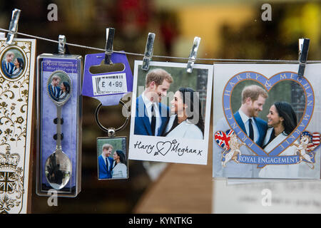 Windsor, UK. 15th Jan, 2018. Spoons and other mementos featuring images of Prince Harry and Meghan Markle have begun - Stock Photo