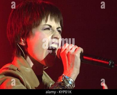 Berlin, Germany. 21st Feb, 2002. ARCHIVE - The singer of the Irish rock group 'The Cranberries', Dolores O'Riordan, - Stock Photo