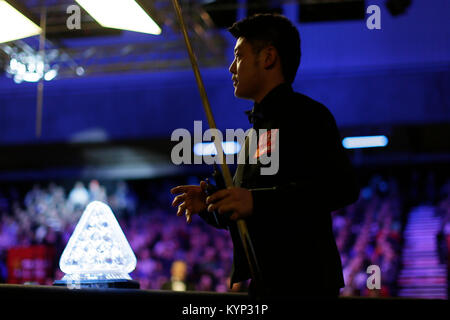 London, UK. 15th Jan, 2018. - Liang Wenbo of China arrives for the first round match with Judd Trump of England - Stock Photo