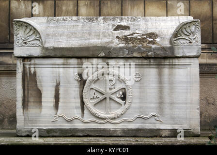 Marble sarcophagus in Topkapi palace, Istanbul - Stock Photo