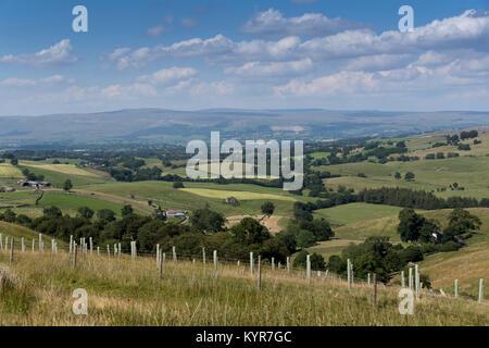 Upper Eden valley in Cumbria, looking towards Cross Fell. - Stock Photo