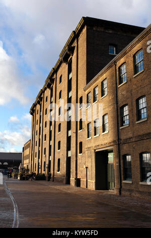 Wide-angle view of Central Saint Martins,  University of the Arts London - Stock Photo