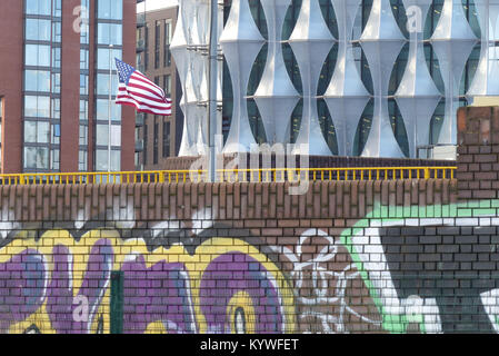 London, UK. 16th Jan, 2018. The new American Embassy in Nine Elms, London opens for business as Consular and Visa - Stock Photo