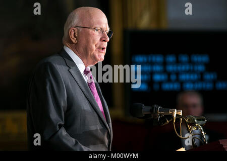 Washington DC, USA. 17th Jan, 2018. Senator Patrick 'Pat' Leahy, a Democrat from Vermont, speaks during a congressional - Stock Photo