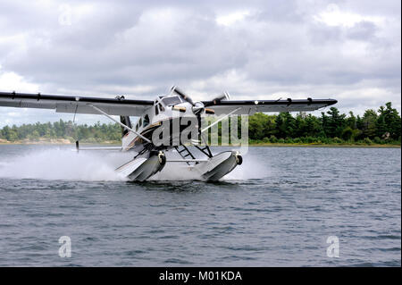 The de Havilland turbo beaver is an updated version of of the DHC-2 which has been a work horse in the Canadian - Stock Photo