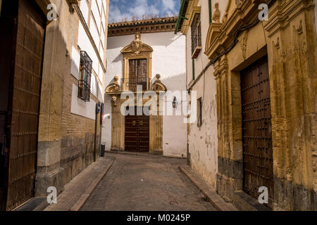 CORDOBA, ANDALUSIA / SPAIN - OCTOBER 14 2017: OLD CITY STREET - Stock Photo