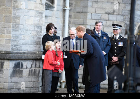Cardiff Castle, UK. 18th Jan, 2018. Cardiff Castle, UK. Prince Harry and Meghan Markle visit Cardiff as part of - Stock Photo